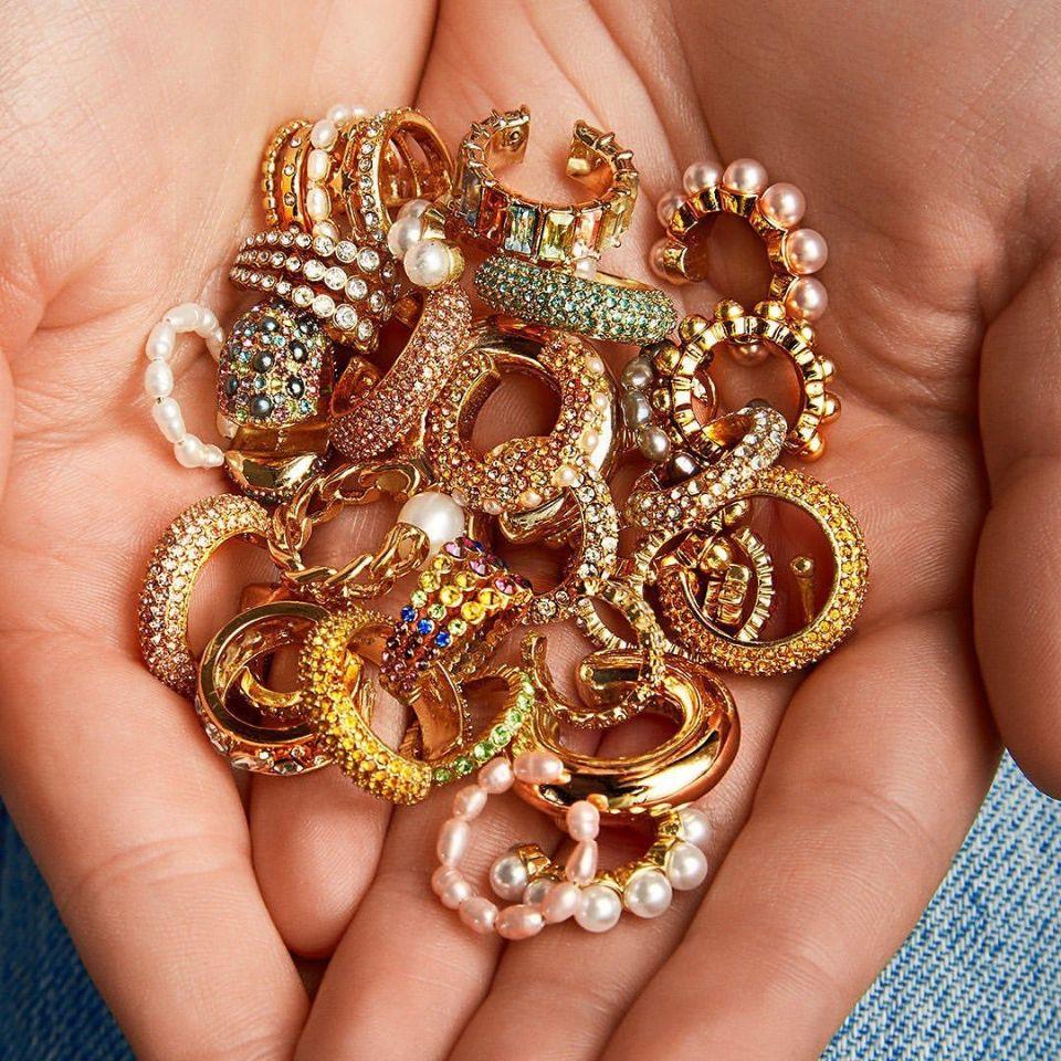 Әйелдерге арналған сырғалардағы сәнді інжу-маржаны, алтын түсті С пішінді құлақ манжеті тесілмеген