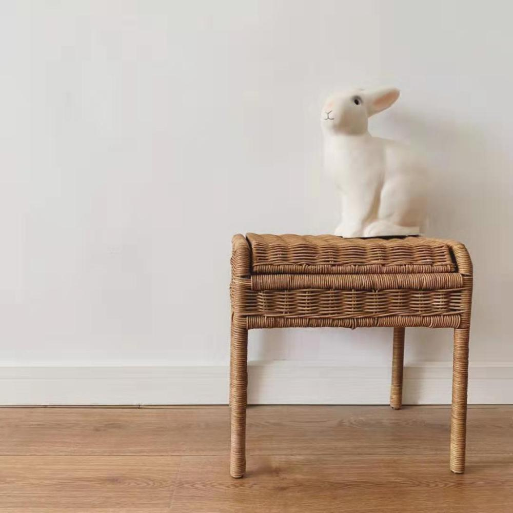 Assento do rattan do armazenamento das crianças da cadeira de armazenamento do rattan à mão elegante com compartimento de armazenamento escondido para presentes dos brinquedos das crianças