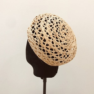 New Breathable Weave Beret Hats For Women Fashion Handmade Raffia Hollow Cloche Straw Hat Casual Holiday Painter Cap Party Boina
