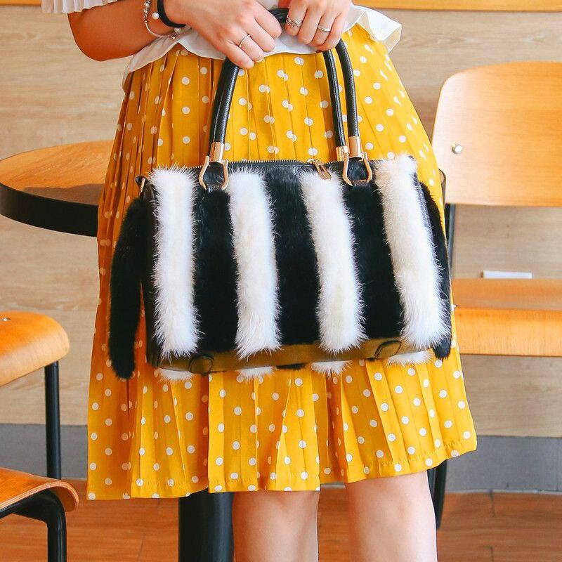 Fashion Women's Winter Mink Fur Handbag Shoulder Bag Elegant Women Underarm Bag 100% Mink Fur Handbag Plush Messenger Bag