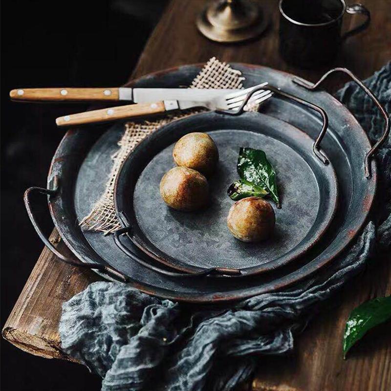 الأوروبي الرجعية لوحة معدنية مع مقبض يدويا الجولة المطاوع خمر تخزين صينية الخبز ديكور المنزل حديقة مطعم