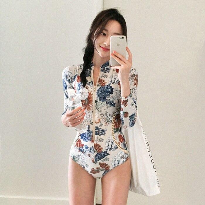 Ins-traje de baño de manga larga para mujer, traje de baño femenino con protección solar, tamaño Sexy, de pecho recogida junto a la playa, Primavera