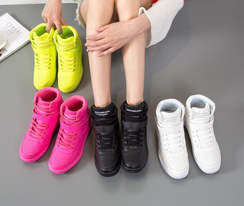 Zapatillas de deporte a la moda de altura oculta que aumentan las zapatillas de deporte para mujer otoño invierno cálido de felpa dulces coloridos zapatillas de deporte para mujer ST213
