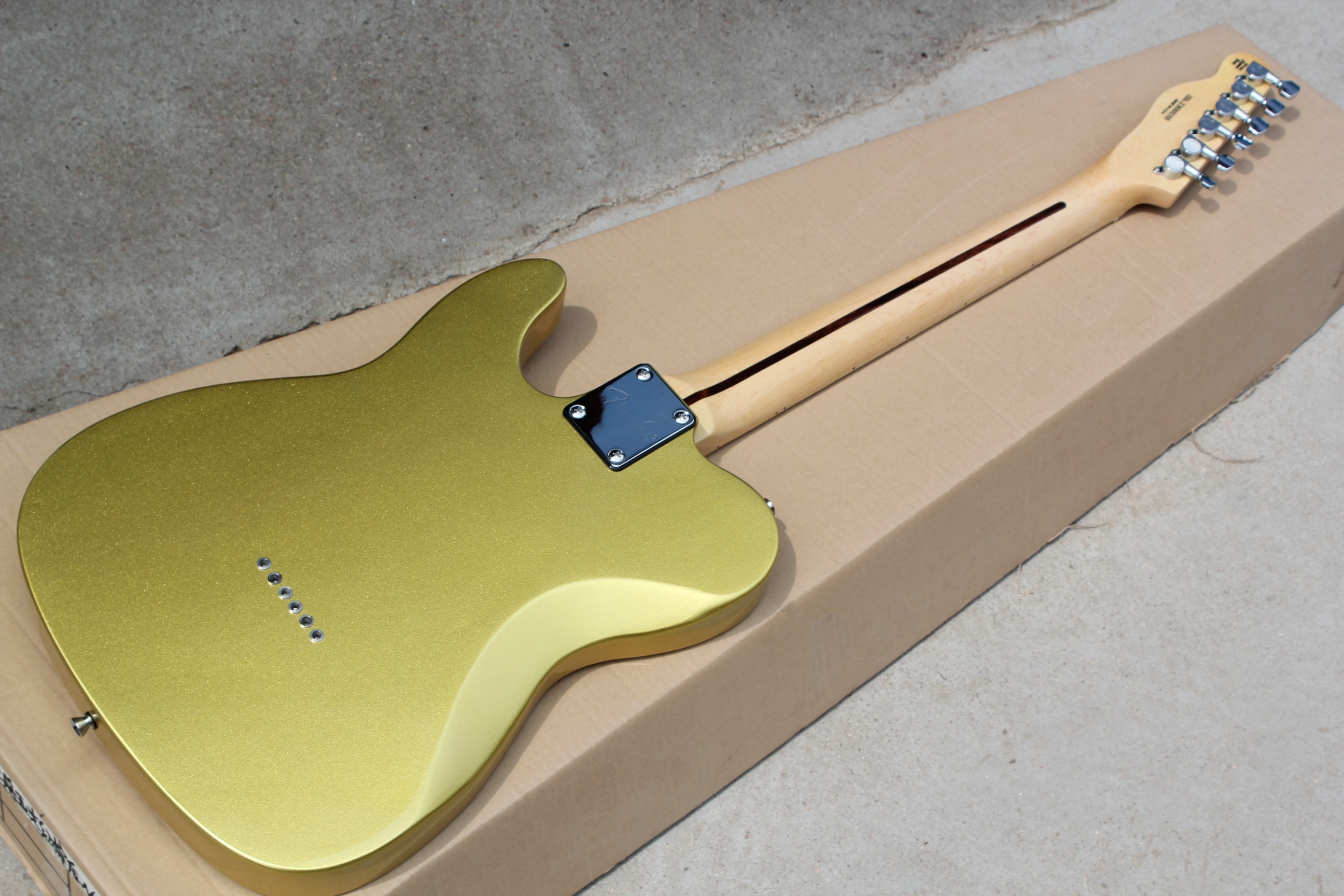 Factory wholesale, classic TL6 string electric guitar, gold body, free delivery, multi - color OP enlarge