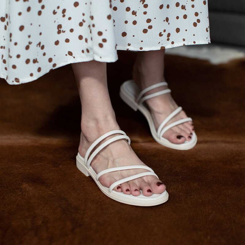 Casual Spring Women's Slippers Summer Soft-Soled Flat Sandals Platform Thin Straps Thick-soled Beach Fashion PU Outdoor Open Toe