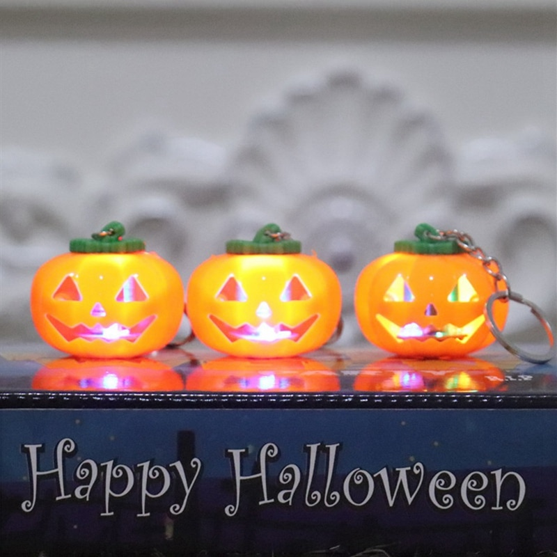 Llavero con LED, llavero con forma de calabaza Mini, llavero con luz LED, juguete para regalo de cumpleaños para niños, accesorios para día de Halloween 1 unidad