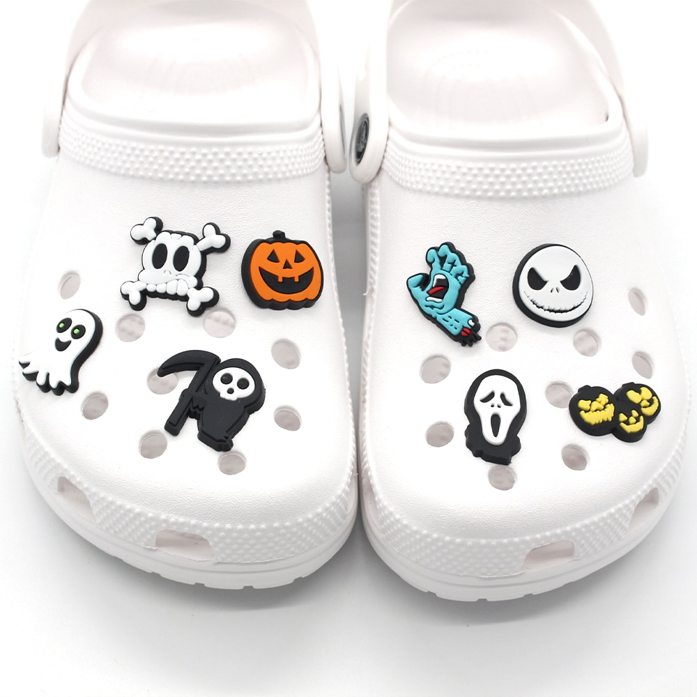 1pcs Horror Style Shoe Charms Funny Halloween DIY Skeleton Shoe Aceessories Fit Sandals Buckle PVC U