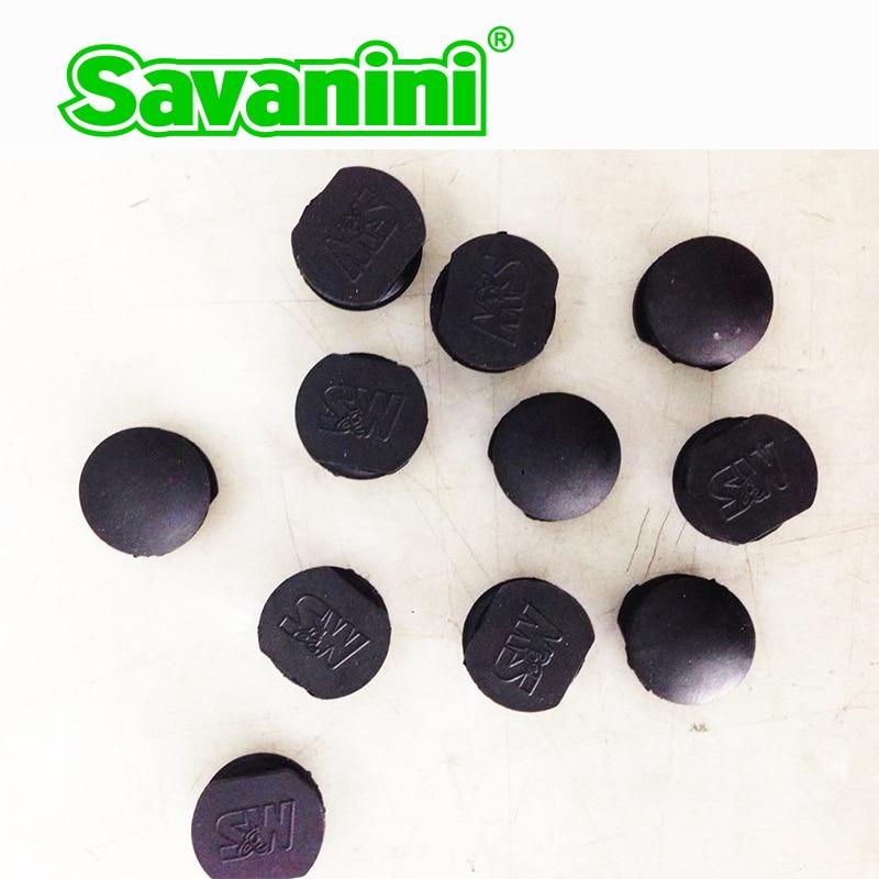 Gránulos antideslizantes de goma negros redondos pequeños de la marca sabanini elemento del pedal de la alfombra