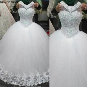 Exquisite Jewel Neckline Tulle Ball Gown Wedding Dresses with Pearls Beading Sleeveslss Lace Appliques Bridal Gowns 2021