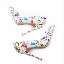 Graffiti talons chaussures été talon mince pompes peu profonde pointu Sexy chaussures à talons hauts taille 42 mode européenne chaussures populaires