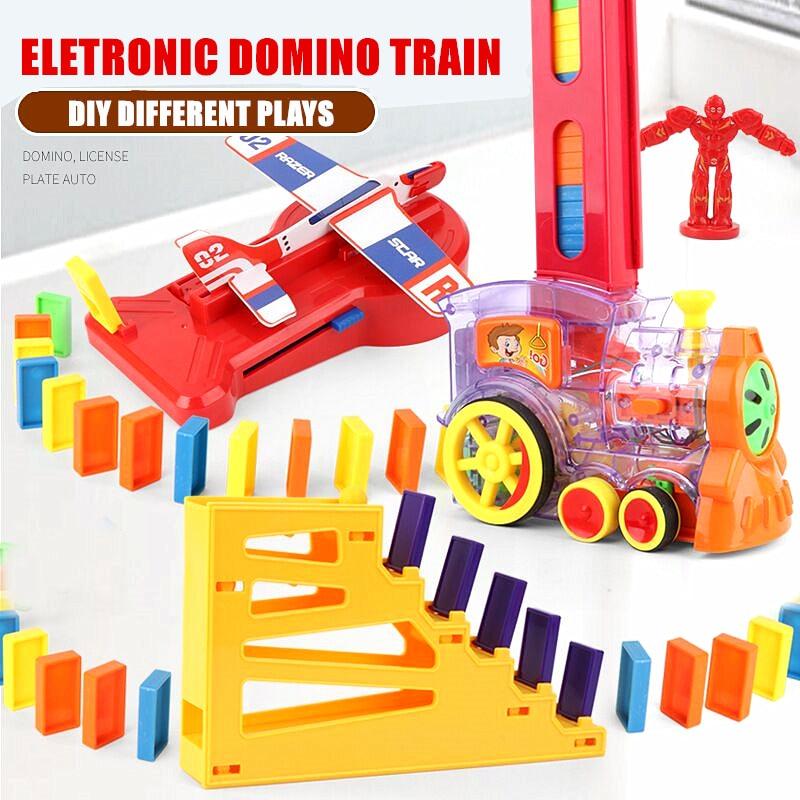 משחק קוביות דומינו עם רכבת, רקטות ומטוס
