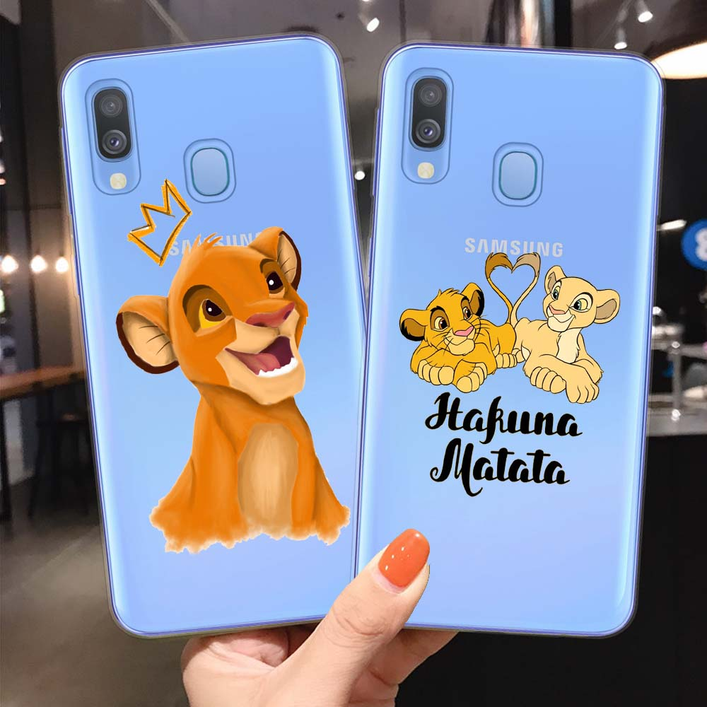 León rey Pumba Hakuna Matata suave TPU carcasa para Samsung A10 A20 A30 A40 A50 A70 A7 A9 A6 A8 Plus 2018 funda de silicona suave