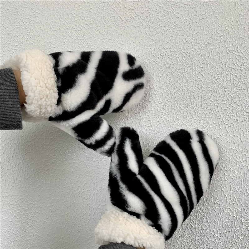 Halter Zebra Pattern Plush Mittens Female Winter Ins Trendy Korean Style Thickened Warm and Cute Gir