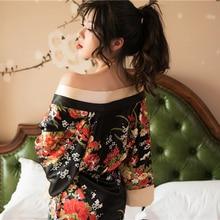 Estilo japonés corto suelto satén Sexy Yukata vestido para mujeres pijamas Oriental Floral Kimono Haori chino Qipao camisón Bata