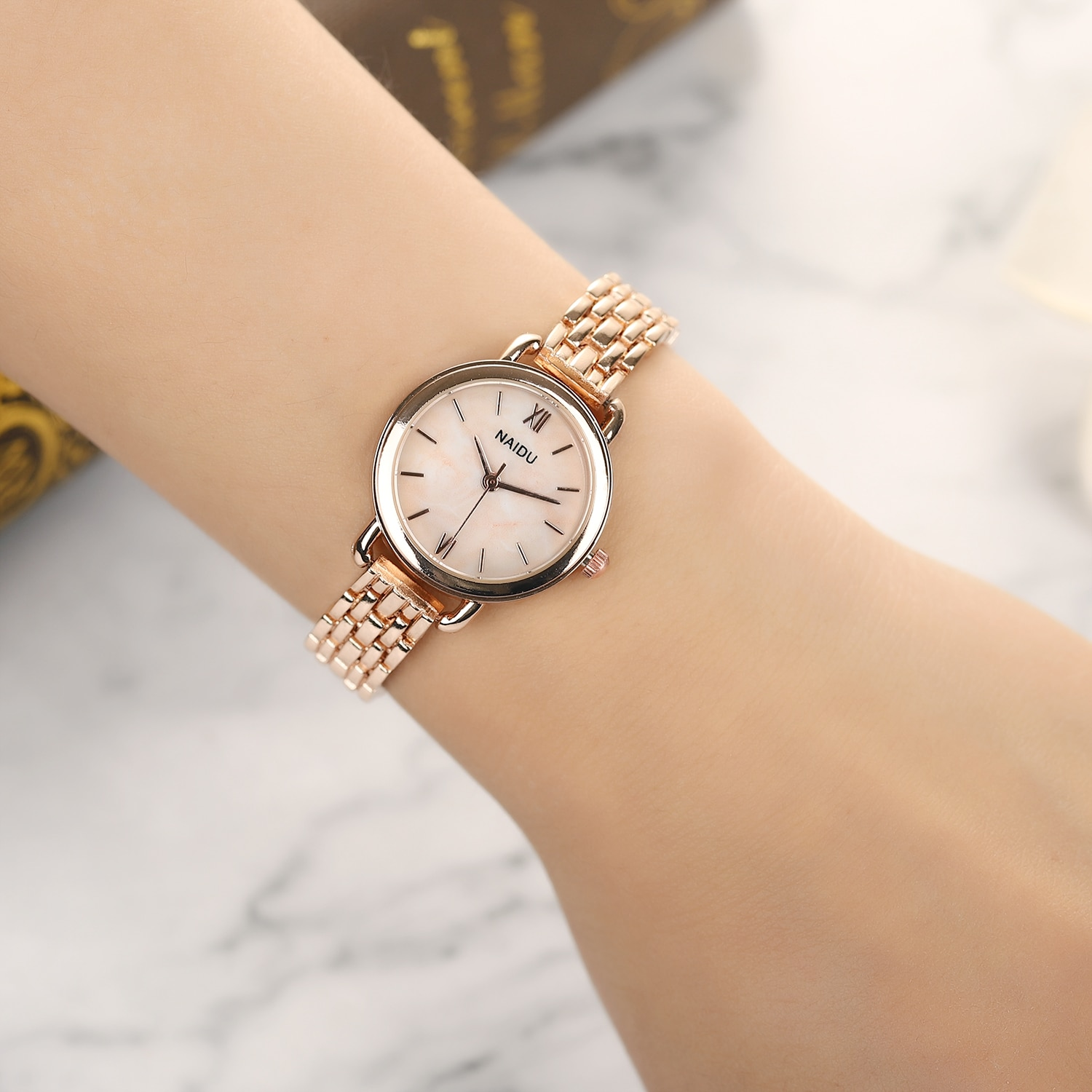 часы женские 2021 Fashion Stars Women Watch Dotted With Scale Luxury Women's Casual montre femme
