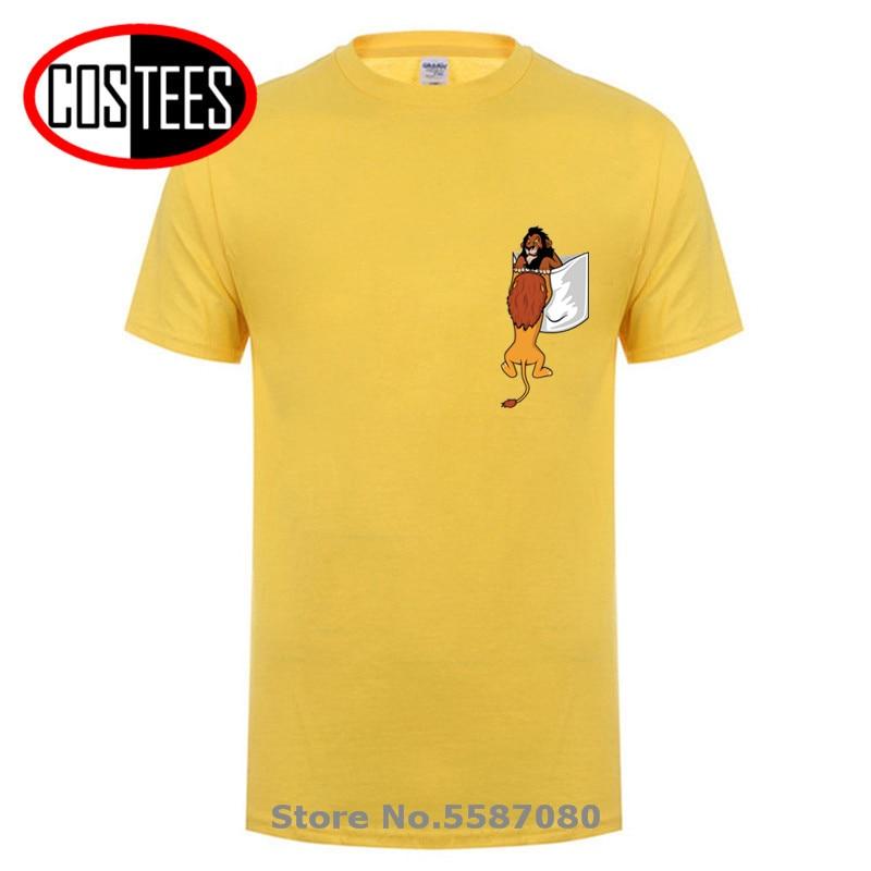Divertida camiseta de bolsillo de León para hombre, camiseta Mufasa VS Scar, camiseta de chico Simba, novedad de 2020, camiseta de diseño a la moda inspirada en la película clásica
