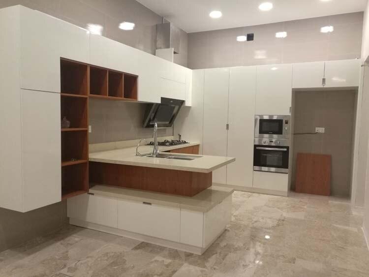 Armário de cozinha moderno branco de alto brilho do revestimento da laca