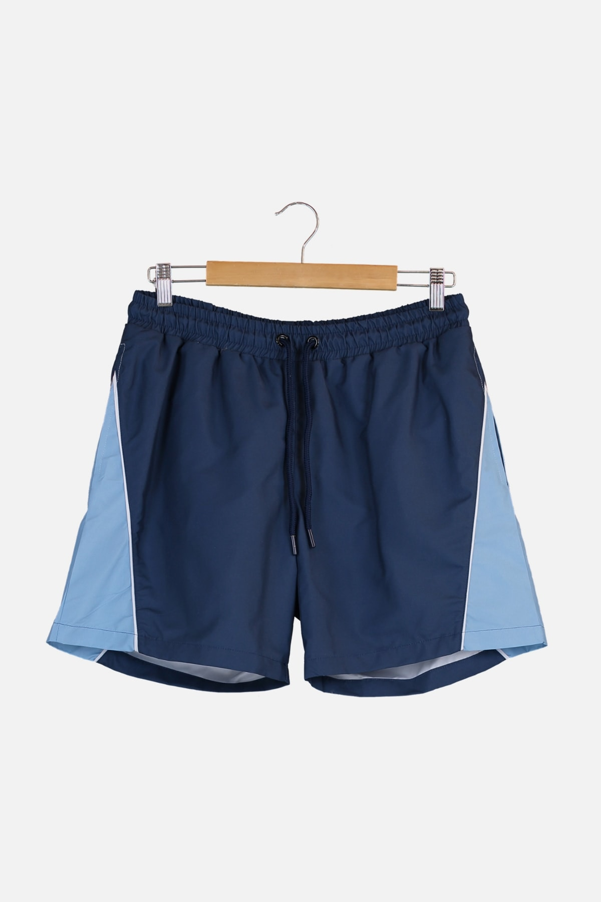 Trendyol Male Color Block Piping Sea Shorts TMNSS21DS0007