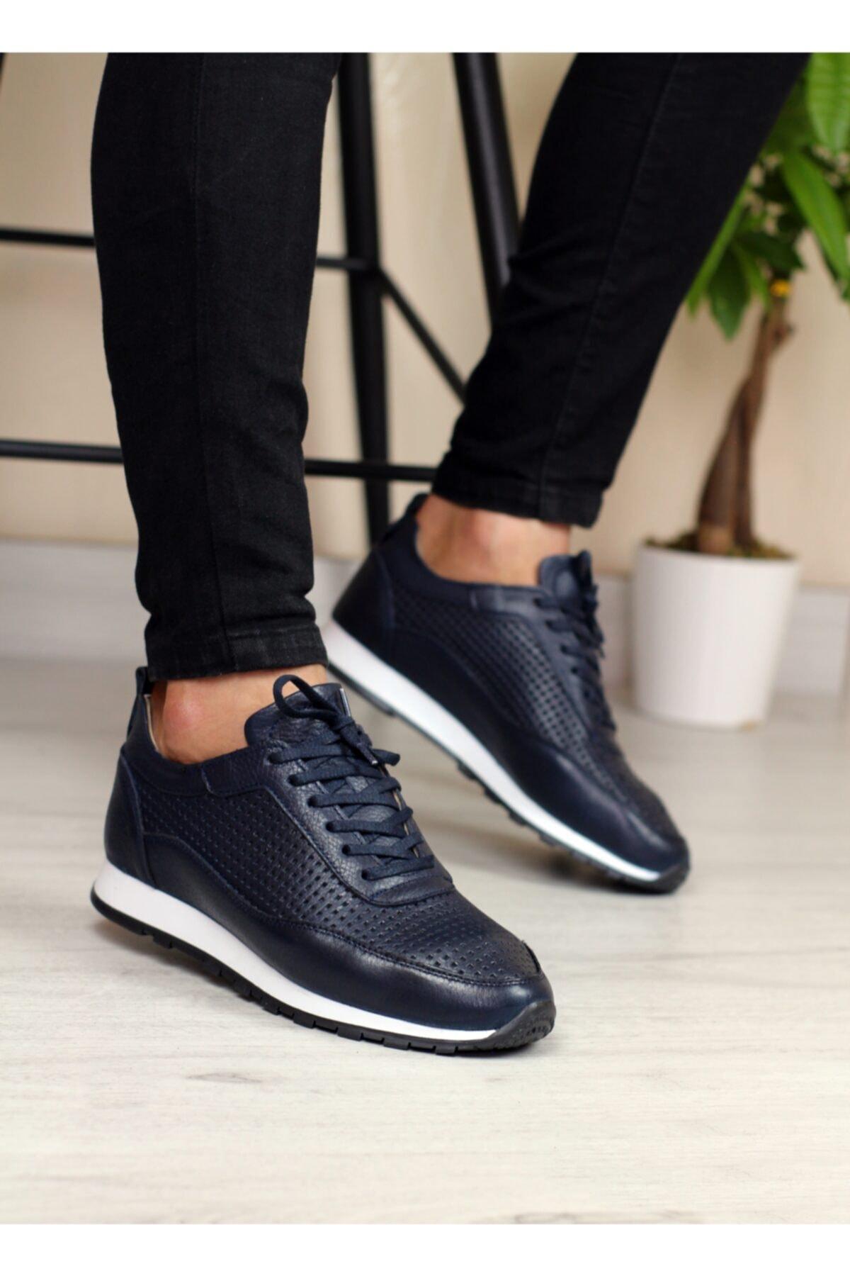حذاء رياضي رجالي من الجلد الطبيعي موديل جديد وتصميم مصنوع يدويًا خفيف للغاية ومريح