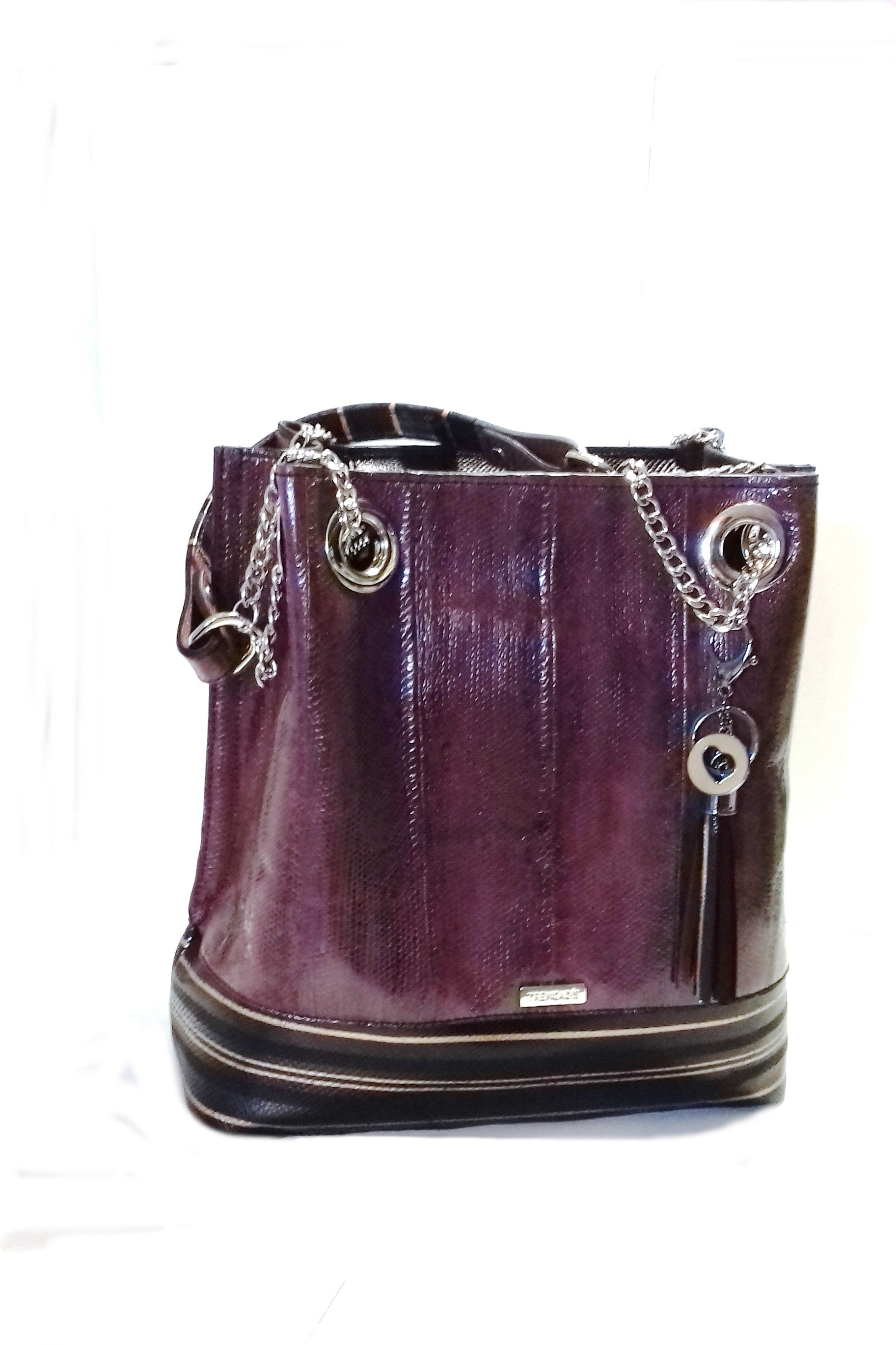 TRENCADIS. Leather bag
