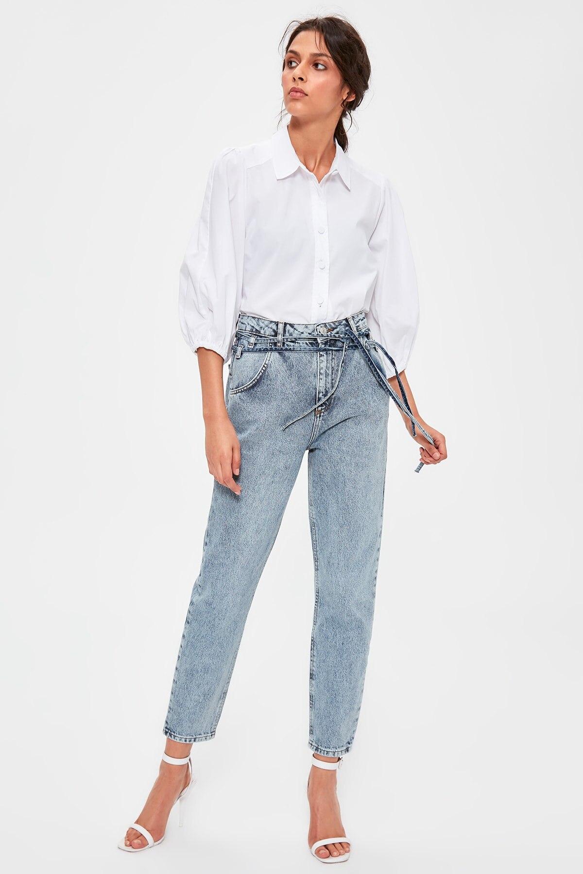 Trendyol cordones azul detallada alta Bel Mom Jeans TWOAW20JE0189