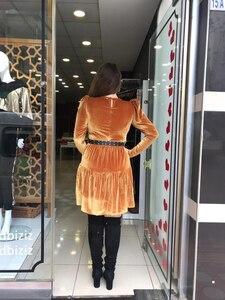 Hardal Kemer Detaylı Kadife Elbise