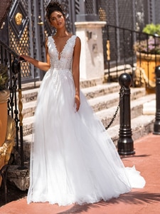 V-Neck Lace Beach Maxi Bohemian Wedding Dress A Line Tulle Short Train Elegant 2021 Party Backless Princess White Bridal Gowns