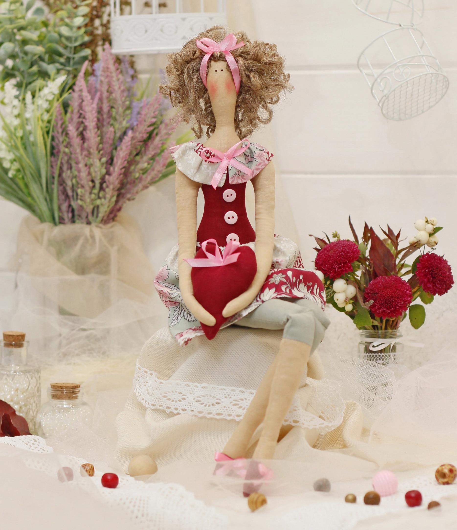 "Set para coser muñeca textil HappyMade Ш135 ""Señorita Holly"""