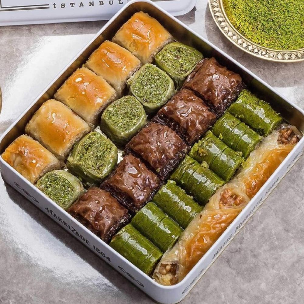 البقلاوة التركية التقليدية الطازجة والمختلطة بالفستق والجوز الحلوى العلامة التجارية التركية الشهيرة البقلاوة
