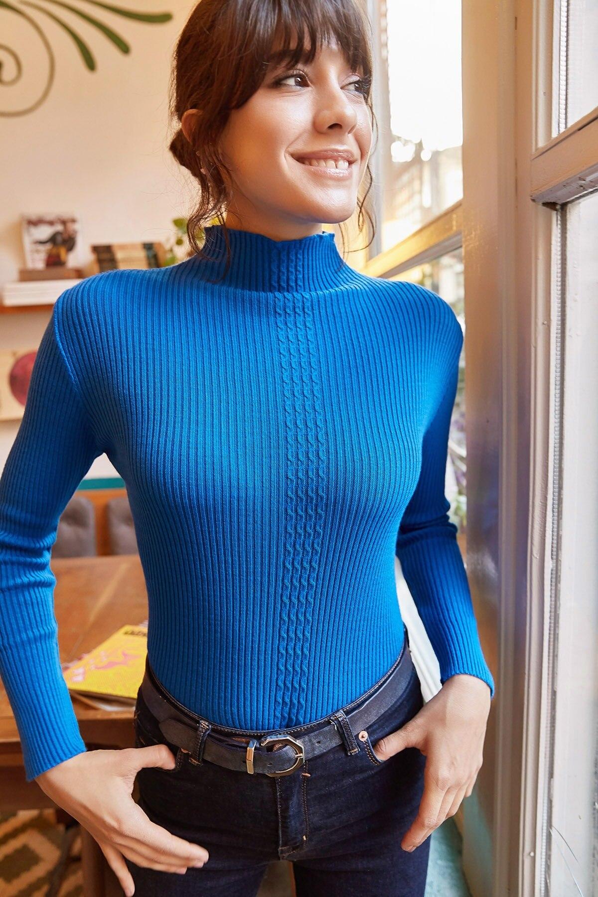 Ola mujeres Saks Collar azul solo pelo trenzado tejido suéter KZK-19000092