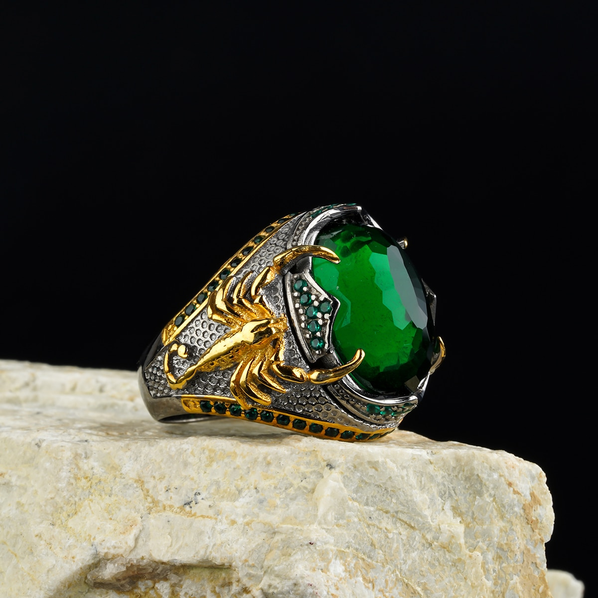 custom Jewelry  High-quality 925 Sterling Silver Zircon stone ring   green color  in a luxurious way for men with gift