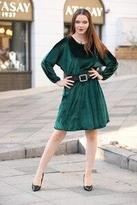 Zümrüt Yeşili Kemer Detaylı Kadife Elbise