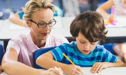 孩子在线英语学习课程哪个好?资深幼师告诉家长详情!