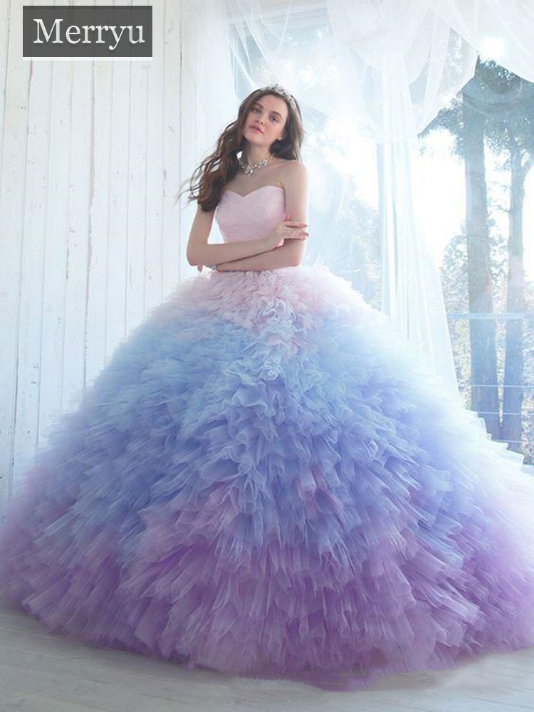 Ombre Ball Gown Quinceanera Dresses Sweetheart Neckline Prom Gowns Chapel Length Tulle Ruffled Sweet Party Dress