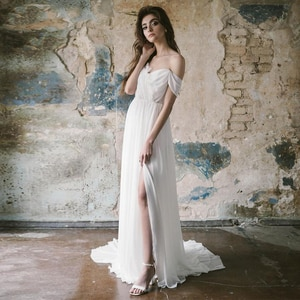 Off Shoulder Chiffon Lace V-Neck Wedding Dress 2021 Summer Beach A Line Maxi Sexy Front Slit Backless Evening Party Bridal Gown