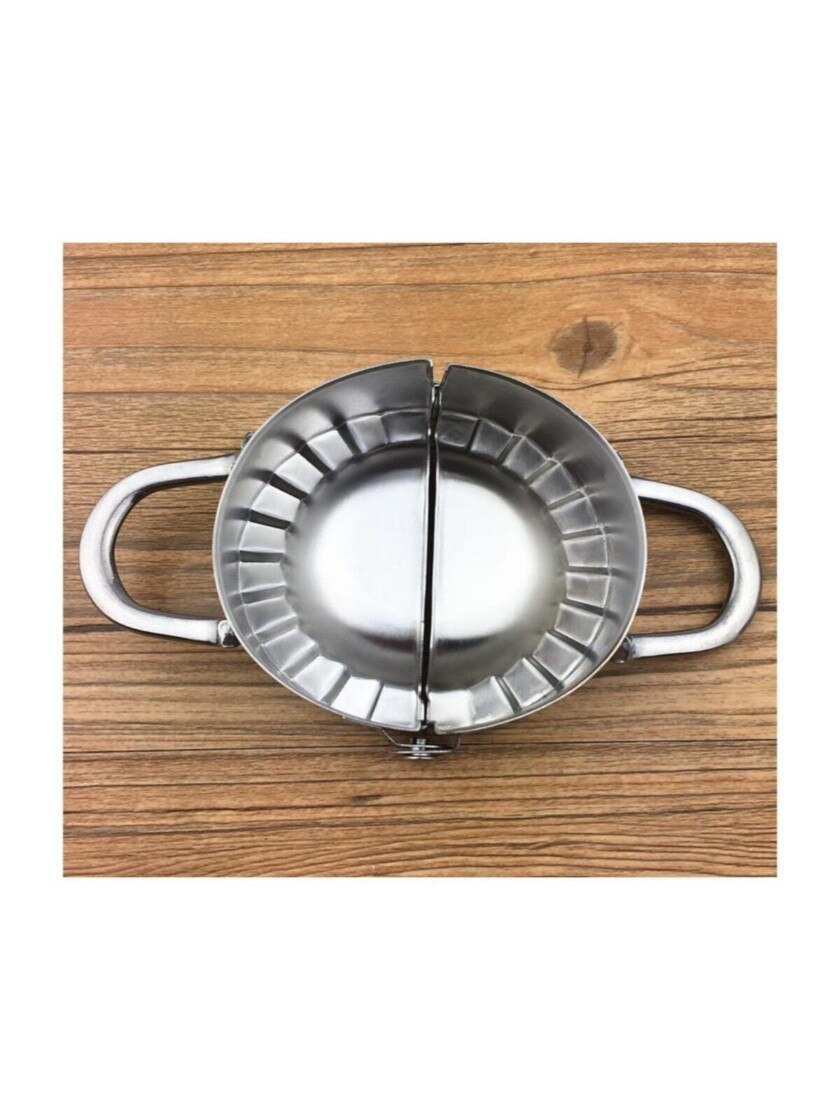 الفولاذ المقاوم للصدأ رافيولي قالب المعجنات الخام ، رافيولي ، كعكة ، قالب العجين ، الإفطار ، الغداء ، لذيذ ، المطبخ ، المنزل ، عملي