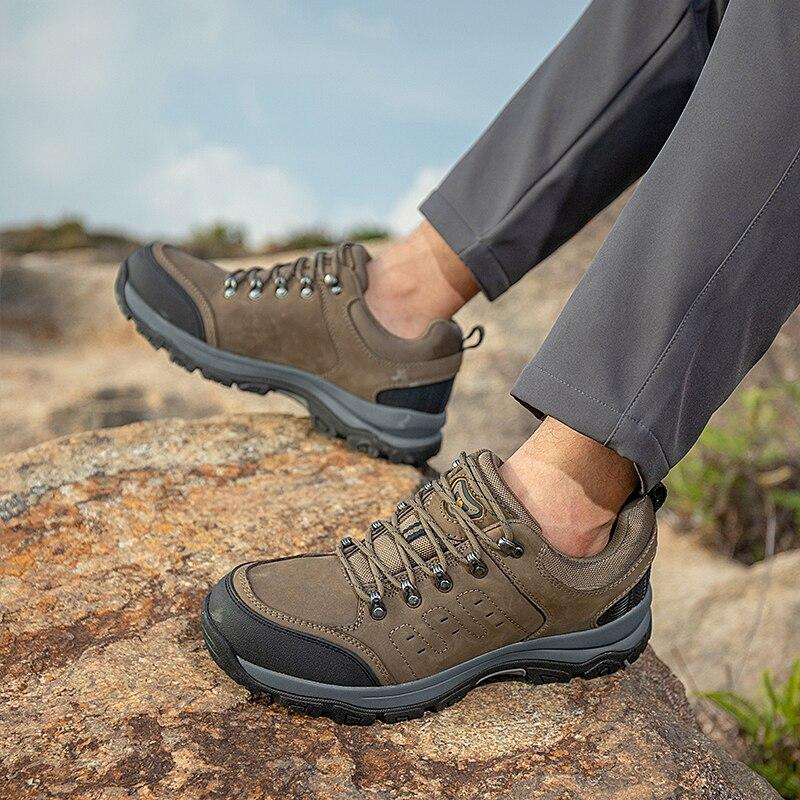 Купить с кэшбэком CAMEL Outdoor  Waterproof   Men Hiking Men Shoes Leather  Sports Training Mountain Climbing Trekking Shoes