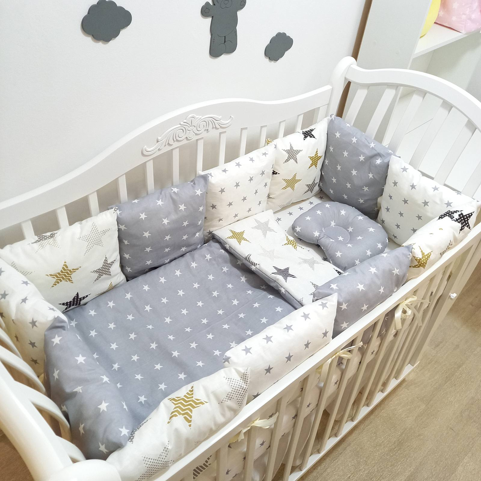 Bortiki in the crib, baby cots, crib boards, bed linen, bumpers in the crib mamdis