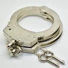 Профессиональные-хромированные-никелированные-стальные-наручники-используют-2-ключа-двойной-замок-эротические-аксессуары-Новинка-в-короб