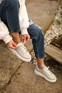 Thick Sole Sneakers Sport Shoes Top Qulaity  Women's Shoes Round Toe Lace Up Casual Sneakers Hot Sell For Spring Autumn
