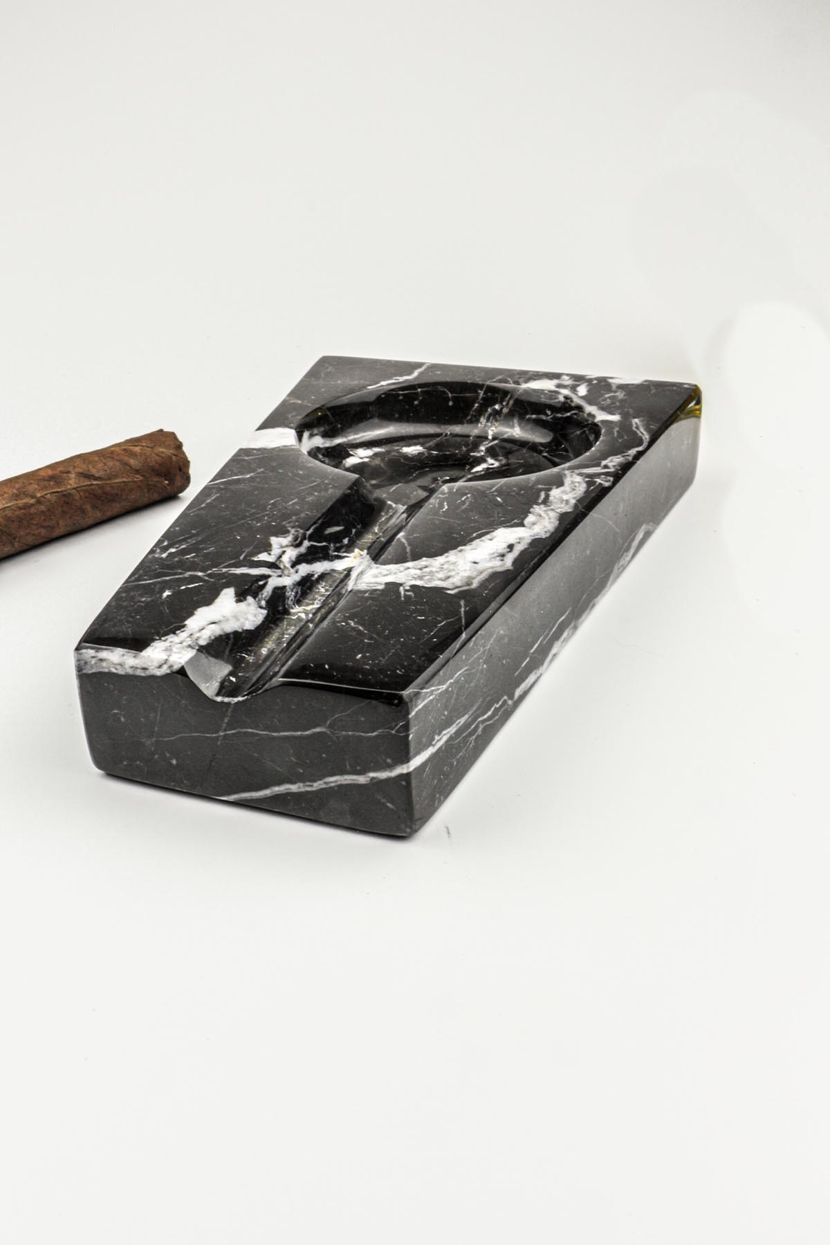 Black Natural Marble Smoking Accessories Ashtray Bulk Cool European Decor Gifts Boyfriend Cigar Cigarette Weed Decorative Trays enlarge