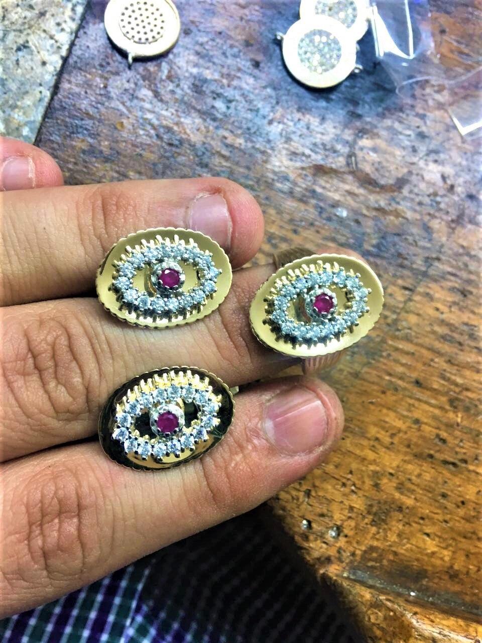 جولة شيك 2 قطعة الأقراط-1 قطعة خاتم الفضة 925 الأبيض حجر منجد مع الحجر الأحمر شيك المجوهرات في الأوسط