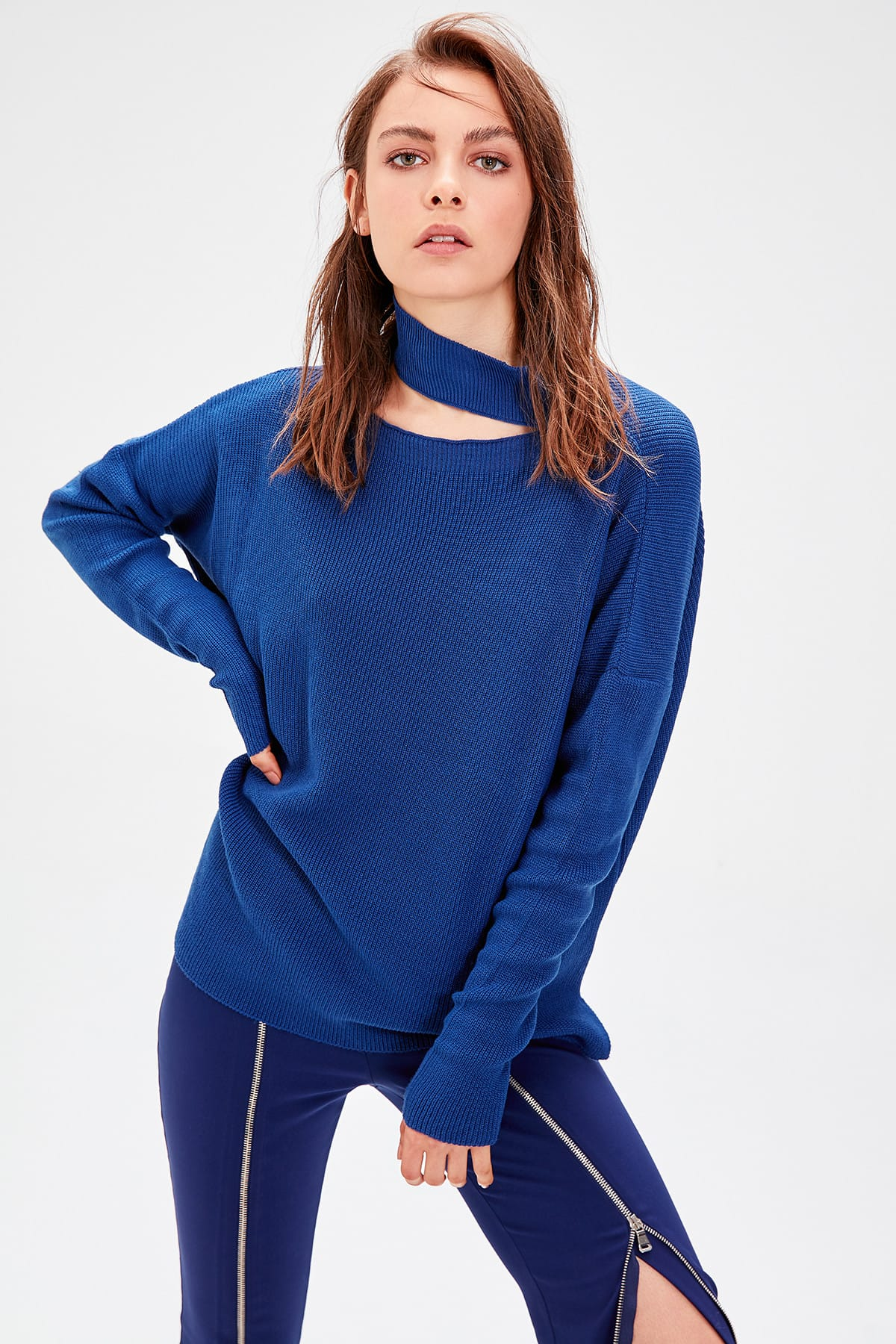 Trendyol índigo detalle de corte suéter de punto TWOAW20KZ0223