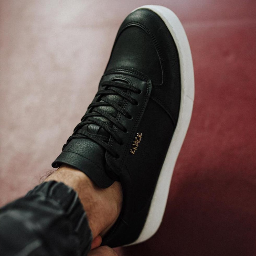 Knack Men's Casual Shoes Black (White Sole) Faux Leather Flashy Stylish Trend Summer Spring Season Stitched High Sole Useful Sports Shoes man shoes high quality luxury sneakers  shoes men original men shoes 2021 666