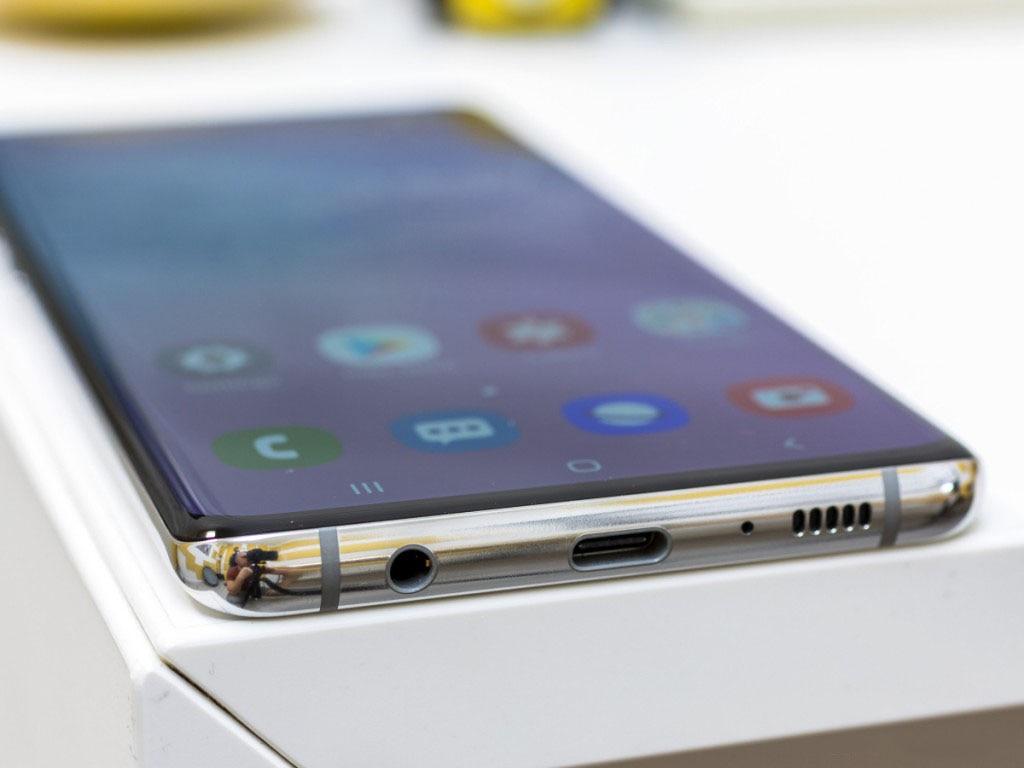 Samsung Galaxy S10+ G975F/DS 6.4