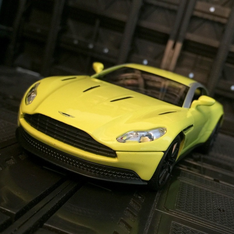 1:32 simulation Aston Martin DB11 AMR sports car model decoration alloy car model