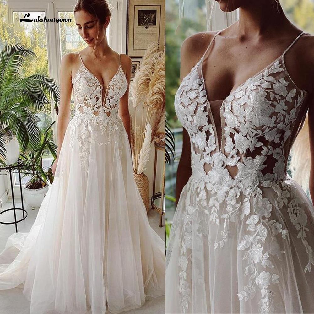Review Robe Vintage Beach Wedding Dresses 2021 Tulle Long Lace Beach Bridal Gown A-Line Court Train vestido de noiva Lakshmigown