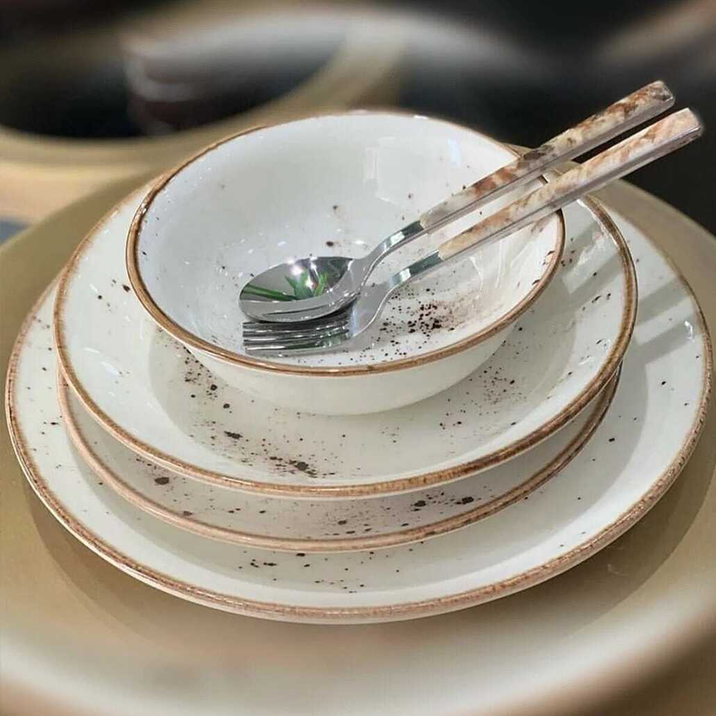 رد الفعل 24 قطعة طقم عشاء من الخزف كريم لوحات التصميم الحديث وعاء تقديم مجموعة المائدة مأدبة فريق