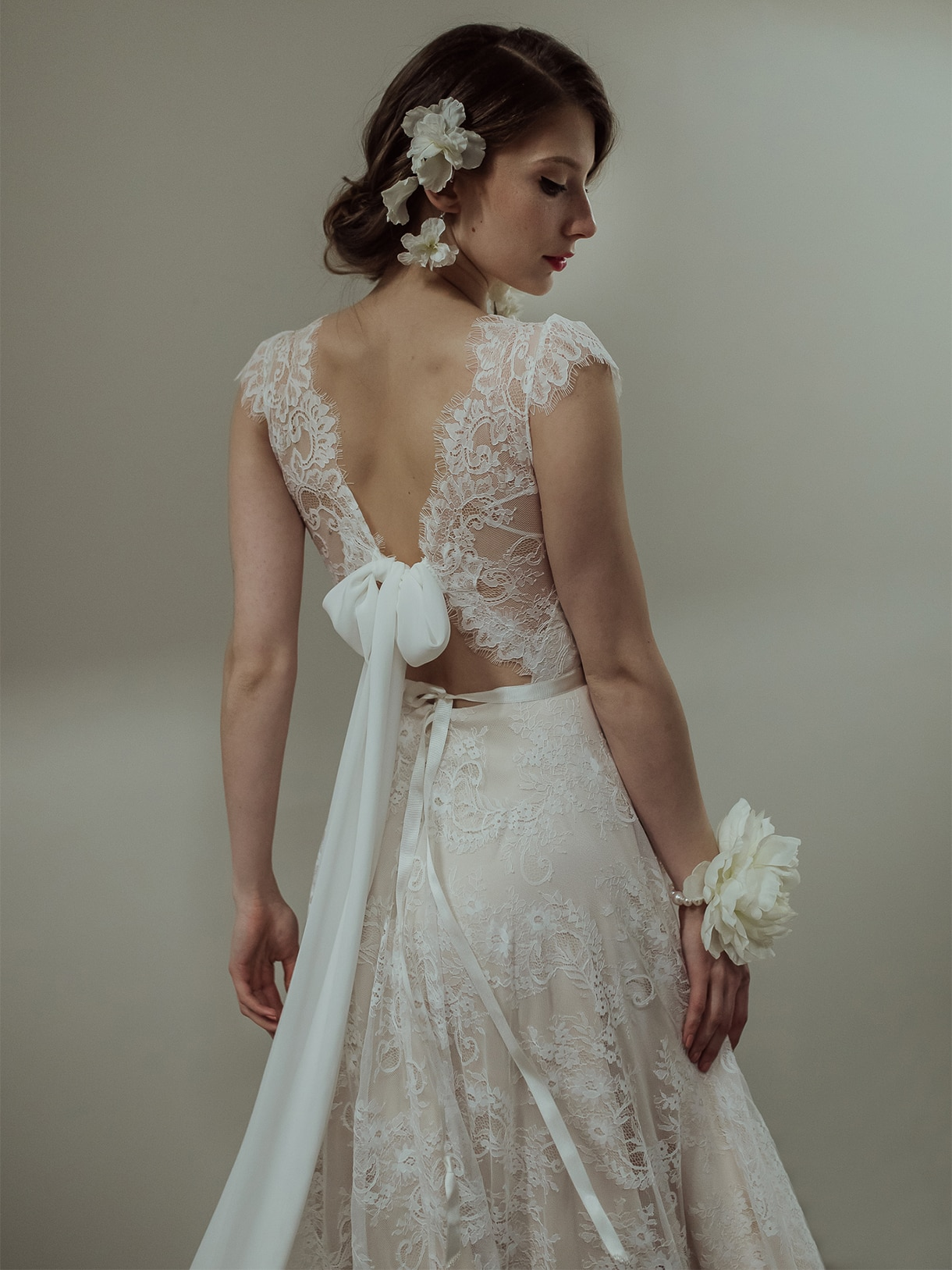 Boho Cap Long Sleeves Lace V-Neck Backless Beach Wedding Dress 2021 Elegant Bridal Gown Plus Size Nude Lining Factory Price