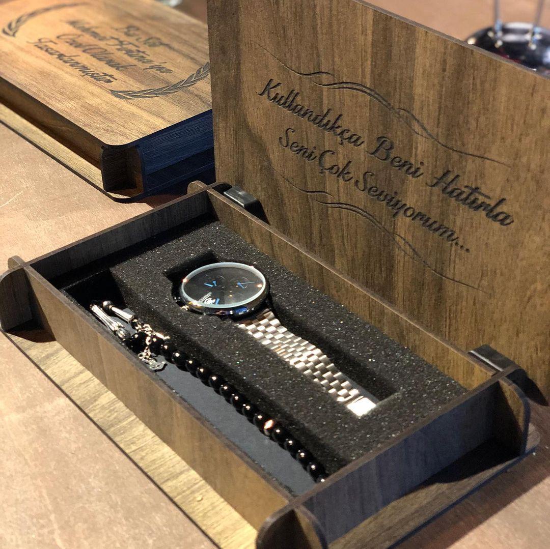 Watch Box  Watch Case Engraved Watch Display  Jewelry Storage  Personalized Organizer Valet Storage Box Man Watch Men's Fathers